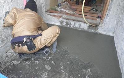 ユニットバスの床下